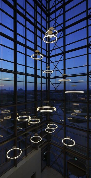 Kruhove svietidla do velkych priestorov Halo