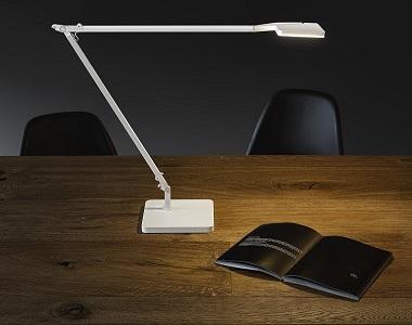 Moderný dizajn stolnej lampy Jackie