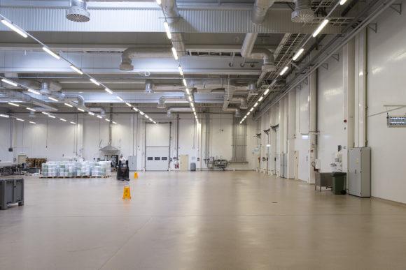 Cosmo svietidlo pre osvetlenie garáže, veľkých výrobných priestorov a haly